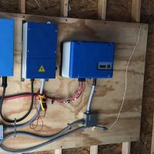 China 1~55KW TMPPT Solar Pump Inverter Normal 3 Phase 220V 380V 400V AC Pump Driver Remote Place Irrigation Device on sale