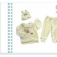 China Snap buttion , zip fly ODM Yellow Cozy Cotton Thermal Baby Layette Sets For Favorate Gift on sale