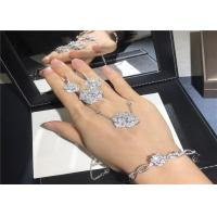 Best Exquisite 18K White Gold Diamond Engagement Ring customizable For Ladies wholesale