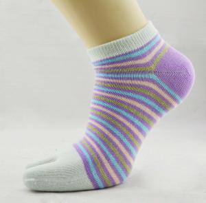 Best OEM Comfortable Organic Cotton  Stripe Sweat-absorbent Five Toe Socks For Lady wholesale