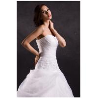 China White ruffled heart neckline wedding dresses with long trains , tulle strapless wedding gowns on sale