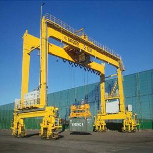 Best Electric Hoist Ship Gantry Crane 30 - 40tons Capacity Overload Protect wholesale