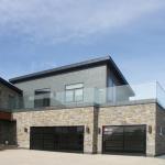 Outdoor Terrace 12 mm Thickness Standoff Frameless Glass Railing