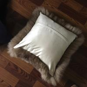 Cheap Single Side Fur Outdoor Chair Cushions , Australia Sheepskin Floor Seating Cushions  for sale