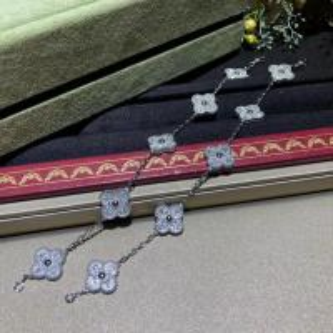 Best van cleef high jewelry White Gold Diamond Van Cleef Vintage Alhambra Bracelet 5 Motifs For Girls wholesale
