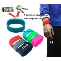 Best 2015 new Pocket Wrist band silicone bracelet with pocket for Sport wholesale