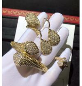 Best 18K Gold Diamond Bracelet / Ring / Earrings For Wedding Anniversary brand jewelry stores wholesale