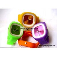 Best 2014 Popular fashion design silicone jelly watch from China factory wholesale