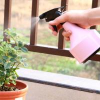 Best Light Pink Or Blue Sprayer Use Garden Plant Accessories PP And PVC Materials Light pink or light blue 11x21cm 0.07kg wholesale