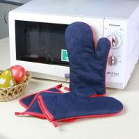 Best Denim Fabric Kitchen Oven Mitts / Heat Resistant Kitchen Gloves For House Use wholesale