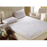 China Waterproof Hypoallergenic Bed Cover Super Soft  Mattress Pad on sale