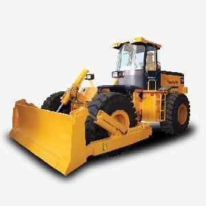 China Wheel Bulldozer (SWGQ320A) on sale