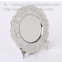 Best Metal crafted Silver collectible souvenir plate with display stand, metal gifts and crafts wholesale