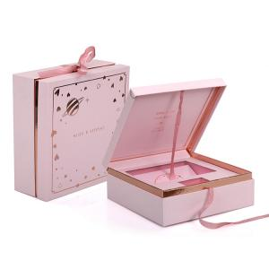China China Custom Magnetic Personalised Paper Gift Box For Handbag Packaging on sale