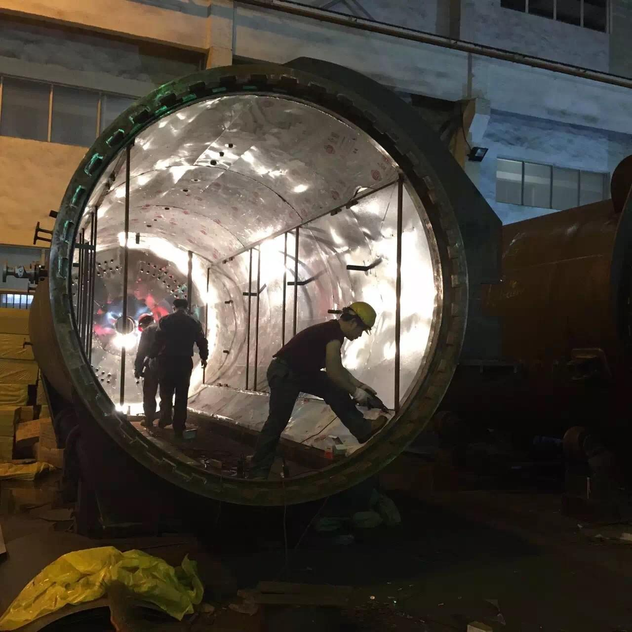 Best Rubber Vulcanizing Autoclave With Safety Interlock , Automatic Control High Temperature And Low Pressure wholesale