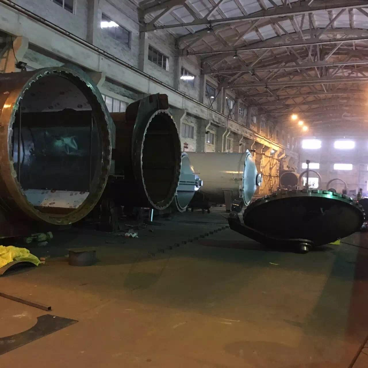Cheap Rubber Vulcanizing Autoclave With Safety Interlock , Automatic Control High Temperature And Low Pressure for sale
