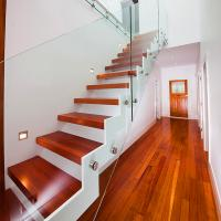 Cheap Supply DIY Red Oak Wood Floating Stairs Solid Wood Stair Treads for sale