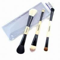 Best Cosmetic Brush Set with Wooden Handle wholesale