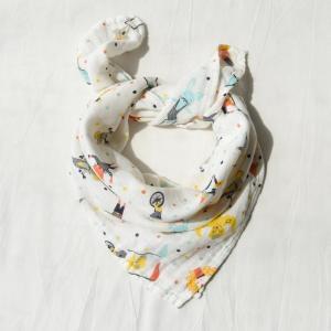 China Cute Baby Wears Organic Muslin Baby Bibs Muslin Gauze Customized Printing on sale