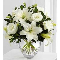 China The FTD White Elegance Bouquet by Vera Wang on sale