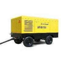 Motor powered portable screw air compressor