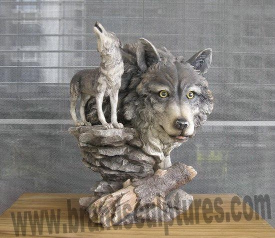 Details Of Large Standing And Creating Wolf Resin Garden